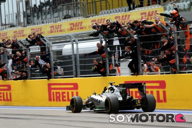Euforia en Force India tras el podio de Pérez - LaF1