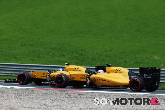 Jolyon Palmer y Kevin Magnussen en Austria - LaF1
