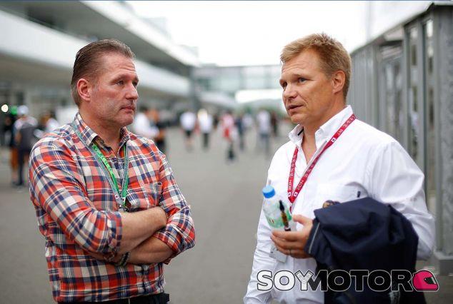Jos Verstappen y Mika Salo en Suzuka - SoyMotor.com