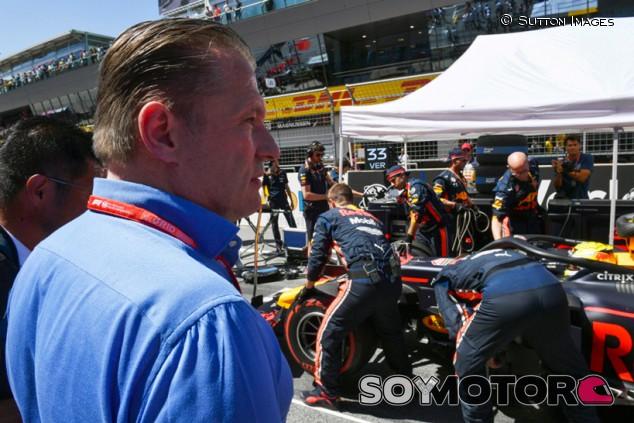 Jos Verstappen duda que Max pueda luchar por el Mundial 2020 - SoyMotor.com