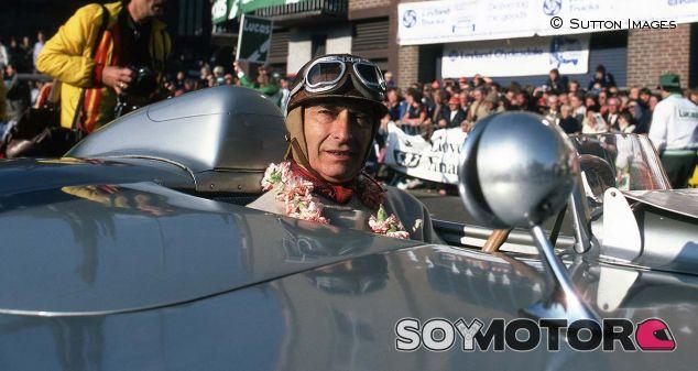 Juan Manuel Fangio en una imagen de archivo de 1980 - LaF1