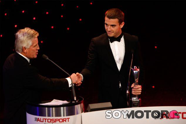 Jules Bianchi en la gala de premiación, ayer - LaF1