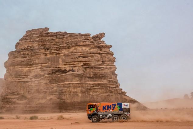Juvanteny y Criado también han ganado el Dakar en sus tres continentes... aunque sea en 6x6 - SoyMotor.com