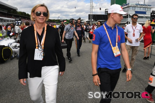 """Sabine Kehm no tiene dudas: """"Mick será campeón del mundo de F1"""" - SoyMotor.com"""