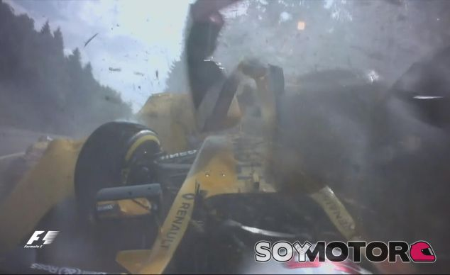 Momento del accidente de Kevin Magnussen en Spa - LaF1