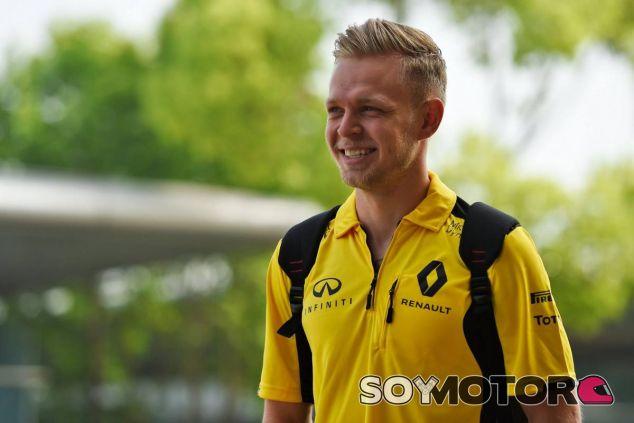 Magnussen tiene motivos para sonreír tras puntuar en Rusia - LaF1