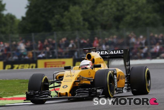 Kevin Magnussen durante la clasificación en Silverstone - LaF1