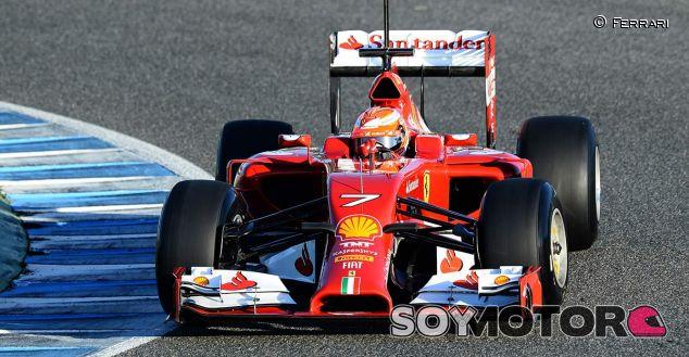 Räikkönen el más activo, Hamilton se estrella y Vettel sale in extremis