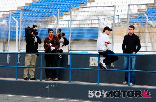 Robert Kubica y Paul di Resta en Jerez en 2009 - SoyMotor.com