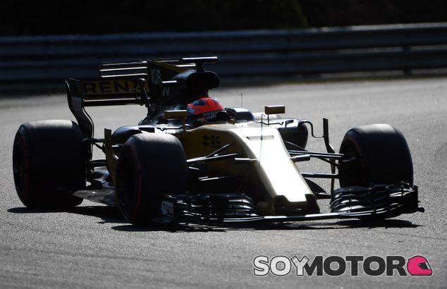 Kubica durante el test con Renault en Hungría - SoyMotor