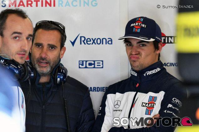 Lance Stroll (der.) y Robert Kubica (izq.) en el box de Williams –SoyMotor.com