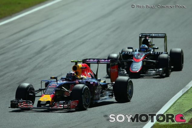 Amenazando a su alerón trasero, así cree Newey que pueda estar McLaren en 2016 - LaF1