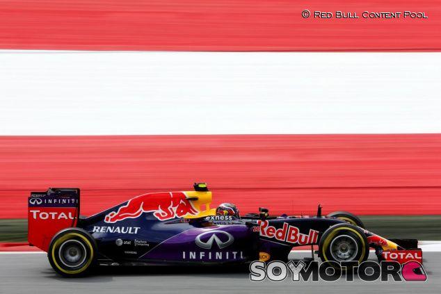 Daniil Kvyat con el Red Bull en Austria - LaF1