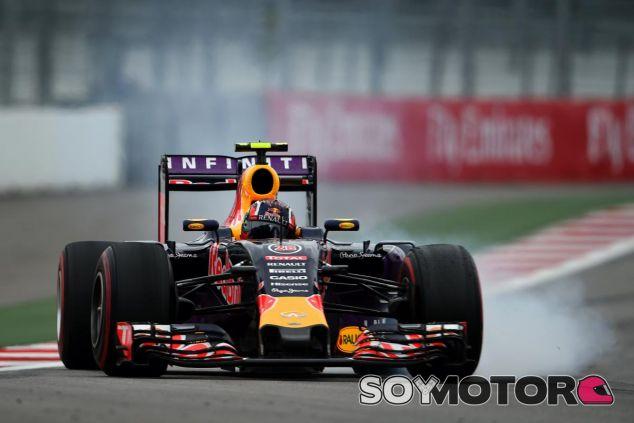 Kvyat piensa que la estrategia de Red Bull debió favorecerle a él y no a Ricciardo - LaF1
