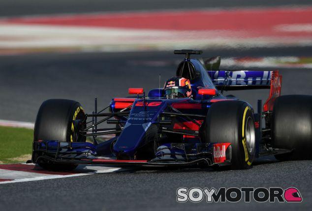 """Kvyat: """"El coche es rápido, pero hay que trabajar duro para mejorar"""" - SoyMotor"""