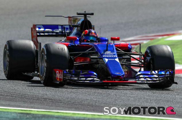 Kvyat culpa a Magnussen por su incidente en el Circuit - SoyMotor.com