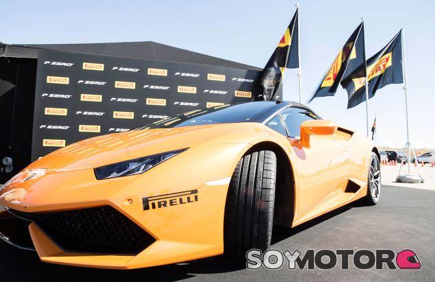 Pirelli nos presenta sus nuevos P Zero y los ponemos a prueba - SoyMotor.com
