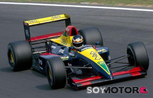 Aguri Suzuki con un Lola Lamborghini en el Gran Premio de Italia de 1990 - SoyMotor