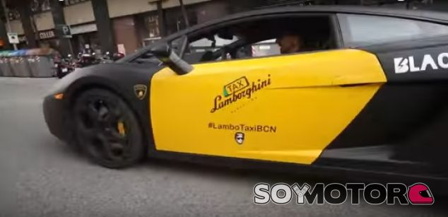 Dos taxis Lamborghini se pasean por Barcelona - SoyMotor.com