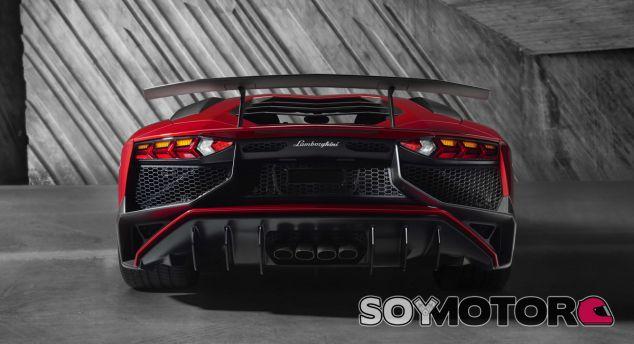 Lamborghini promete un hypercar por debajo del Veneno - SoyMotor