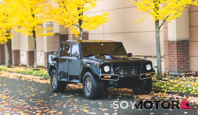 Lamborghini LM002 - SoyMotor.com