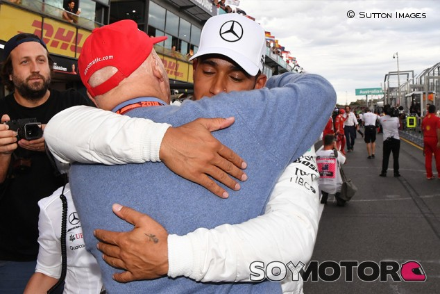 """Hamilton, a Lauda: """"No estaría en Mercedes si no fuera por ti"""" - SoyMotor.com"""