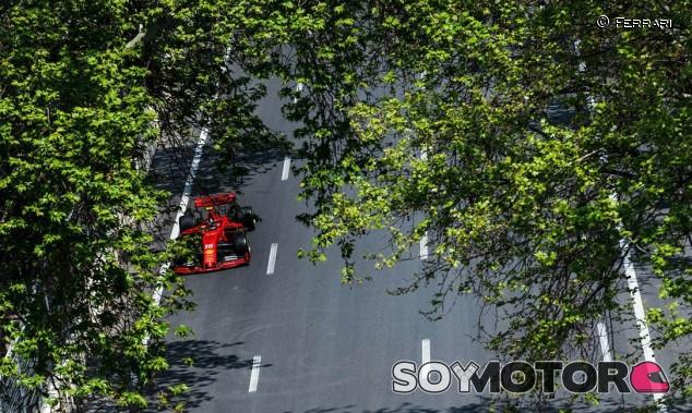 "Leclerc ""no siente presión"" por correr en Ferrari - SoyMotor.com"