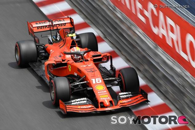 Leclerc cae en la Q1 de Mónaco por un error de estrategia de Ferrari - SoyMotor.com