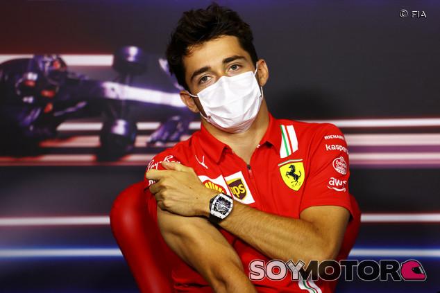 "Leclerc ha probado el Ferrari 2022 en el simulador: ""Es muy diferente"" - SoyMotor.com"