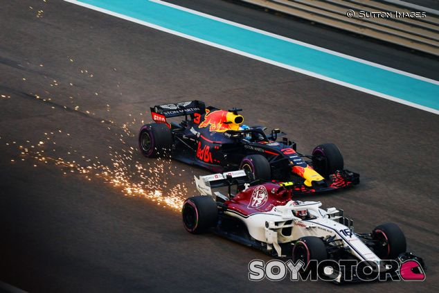 Charles Leclerc y Daniel Ricciardo en Yas Marina - SoyMotor.com