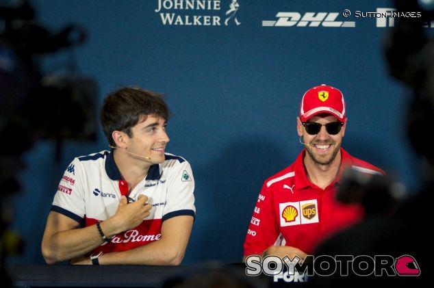 Charles Leclerc (izq.) y Sebastian Vettel (der.) – SoyMotor.com