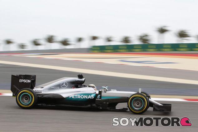 Hamilton defiende sus títulos - LaF1