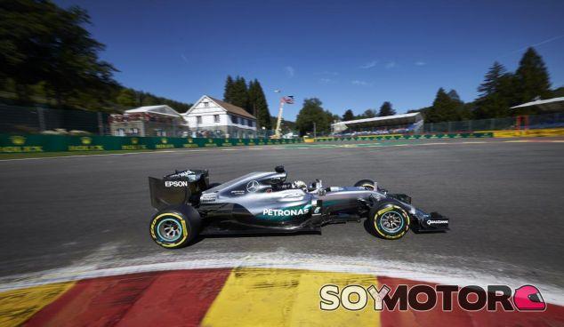 Lewis Hamilton en Bélgica - LaF1