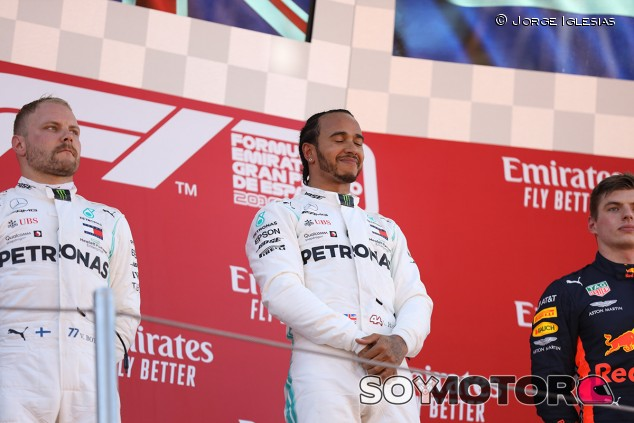 Lewis Hamilton en el podio del GP de España F1 2019 - SoyMotor