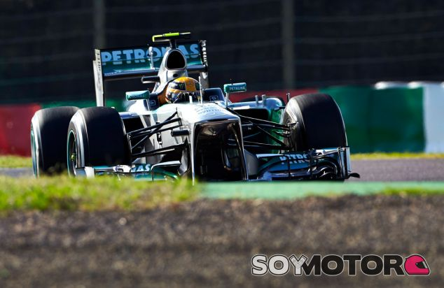 Lewis Hamilton al volante de su W04 en Suzuka - LaF1