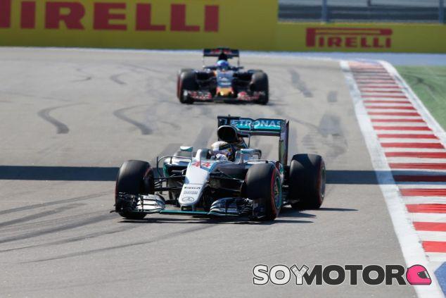 Hamilton espera tener un fin de semana limpio en el Circuit de Barcelona-Catalunya - LaF1