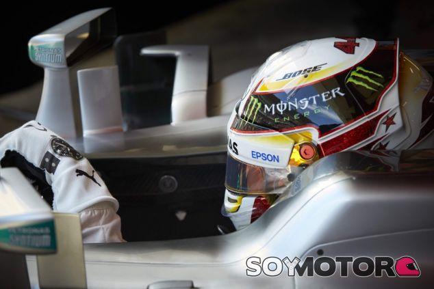 Lewis Hamilton se une a las críticas del deporte - LaF1