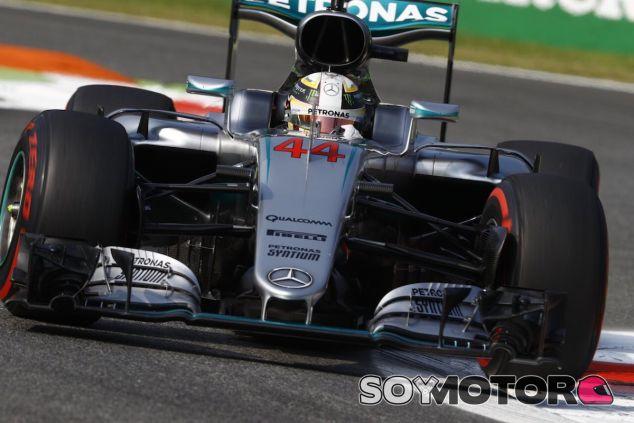 Lewis Hamilton se lleva la Pole en Monza - LaF1