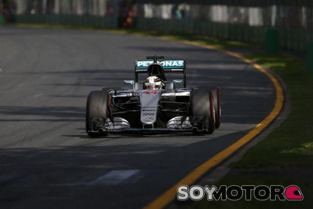 Hamilton crítica el sonido de los motores - LaF1