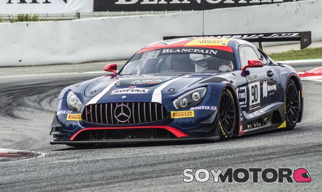 El Mercedes #90 de Akka ASP, líder en los libres de Barcelona - SoyMotor