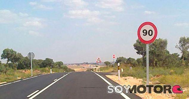 La DGT estudia unificar el límite a 90 kilómetros/hora en carreteras convencionales -Soymotor.com