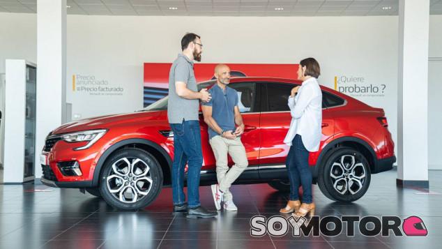 Antonio Lobato y Cristóbal Rosaleny entrevistan a Paula Fabregat - SoyMotor.com