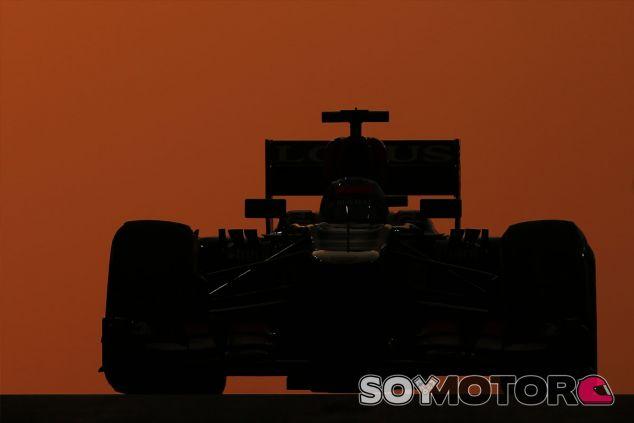 Kimi Räikkönen en el crepúsculo de Abu Dabi - LaF1