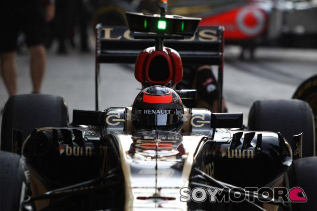 Kimi Räikkönen en los boxes de Abu Dabi - LaF1