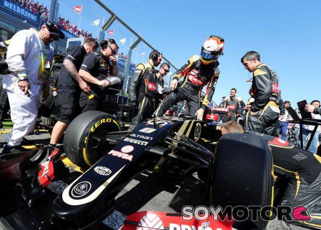Mal inicio de Lotus: abandonos de Grosjean y Maldonado en Australia - LaF1.es