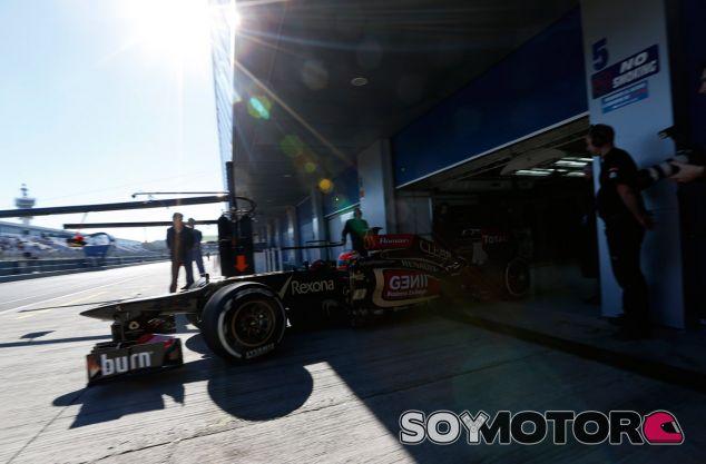 El Lotus E22 no rodará en Jerez