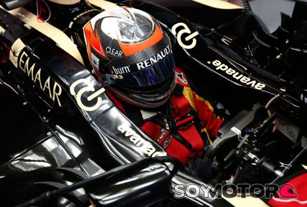 Kimi Räikkönen, pensativo en su Lotus E21 - LaF1