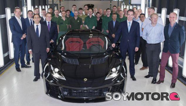 El primer Lotus Evora 400 ha salido de la línea de montaje - SoyMotor