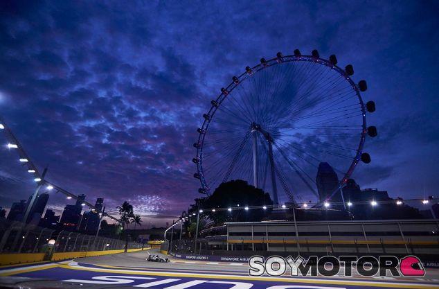 Escena de los entrenamientos libres de Singapur - LaF1
