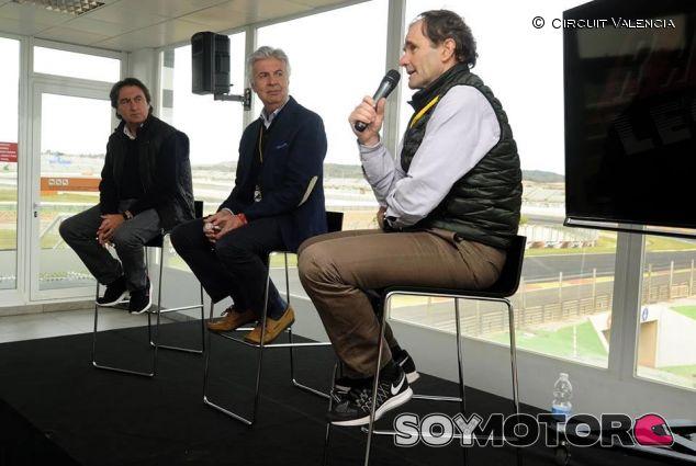 Campos, de Villota y Pérez Sala en el Circuit de Valencia - SoyMotor
